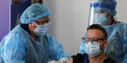 6.000 adultos mayores ya han sido registrados para la vacuna a través de la página del gobierno / Foto EFE