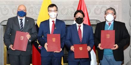 Ecuador recibe de Hungría donación de 100.000 mascarillas en favor de migrantes venezolanos / Foto: cortesía Cancillería