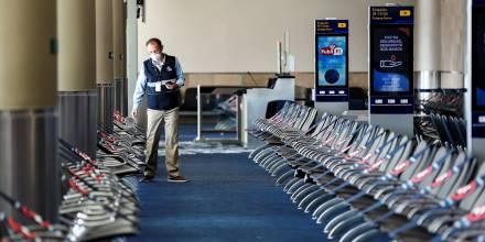 El COE autoriza la ampliación de los aforos en los aeropuertos / Foto: EFE