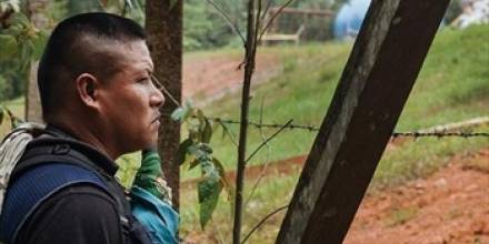 Miembros de la comunidad Indígena Siona denunciaron abusos a manos de grupos criminales. Foto: InSight Crime