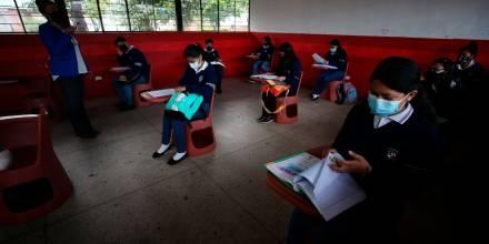 Unos 120.000 menores iniciaron el retorno progresivo a las aulas/ Foto: EFE