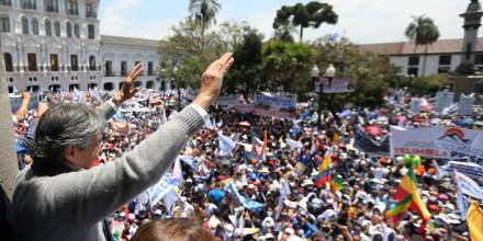 Lasso advierte que empuñará la Constitución para enfrentar a golpistas / Foto: cortesía presidente Lasso
