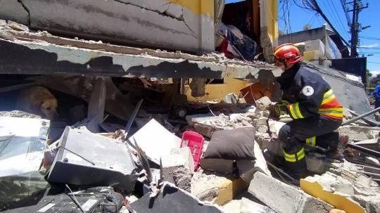 Explosión deja ocho heridos y destrozos en zona residencial cerca de Quito / Foto: EFE