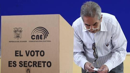 Autoridades descartan todo tipo de comercio fuera de recintos electorales / Foto: EFE
