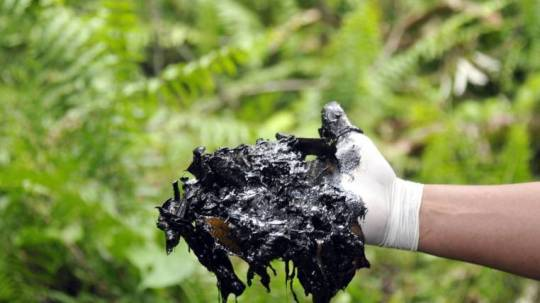 Campaña. Durante el gobierno de Rafael Correa se hizo una campaña contra la empresa petrolera Chevron. Foto: Expreso
