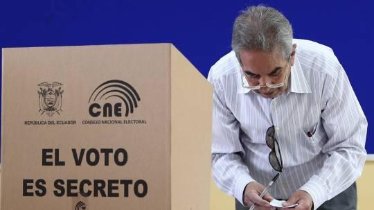 La Iglesia católica pide a los jóvenes votar responsablemente en Ecuador / Foto: EFE