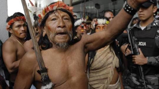 La defensa de los waorani también presentó una apelación para mejorar el fallo dictado en abril en primera instancia por un tribunal penal de Puyo, que vetó el ingreso de las petroleras. Foto: Expreso