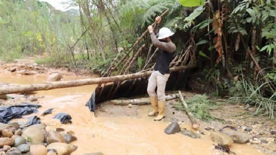 Las actividades mineras de la empresa Terraearth fueron suspendidas en Napo / Cortesía del Ministerio de Ambiente