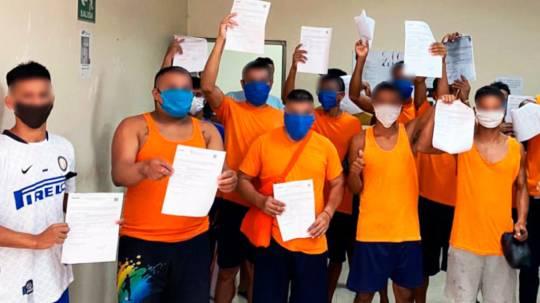 Un grupo de 16 presos de Manabí recuperaron su libertad por cumplimiento de pena, sustitución de la prisión preventiva y por cambio de régimen. - Foto: SNAI