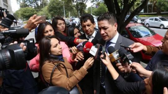Edgar Molina, abogado de Pamela Martínez, acudió a una diligencia en la Fiscalía. Foto: El Comercio