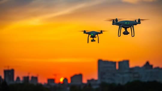 Ecuador estrena plan piloto para entregas con drones desde Quito a suburbios / Foto: Shutterstock