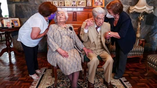 Fallece el marido de la pareja de casados más longeva del mundo. Foto / EFE