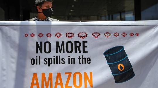 Indígenas dicen que aún hay contaminación por derrame en Amazonía / Foto: EFE