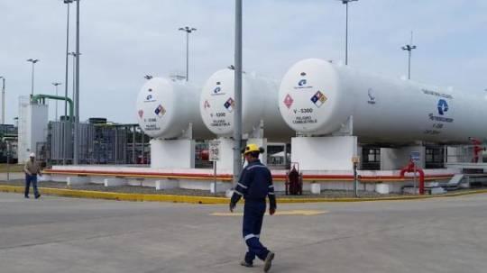 Petroecuador y Petroamazonas se convertirán en una sola empresa en noviembre de este año, según las autoridades. Foto: Expreso