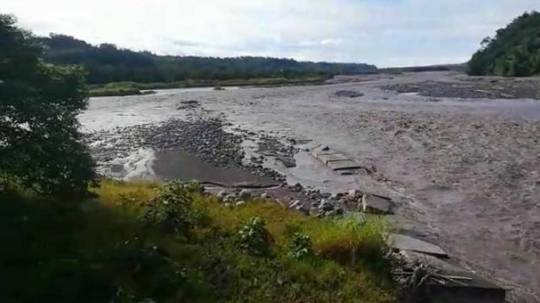 Las lluvias causaron el aumento del caudal del río Upano, en Morona Santiago. Foto: cortesía Servicio Nacional de Gestión de Riesgos