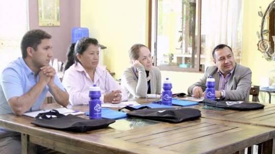 Los jueces de Paz durante la capacitación. (Foto: La Hora)