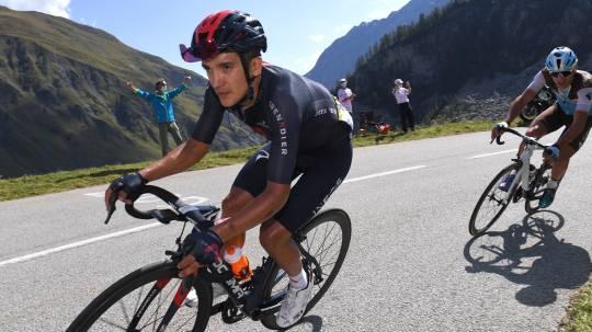 Carapaz subió al podio en el inicio de la Vuelta a España / Cortesía de INEOS