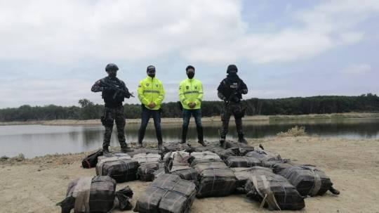 Incautan más de 1,3 toneladas de cocaína  / Cortesía de la Policía Nacional