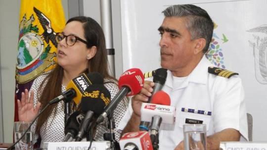 La subsecretaria Inti Quevedo y el gerente del Hospital Naval, Pablo Herrera, confirmaron el caso este miércoles 21 de agosto del 2019. Indicaron que se aplicaron los protocolos de bioseguridad. Foto: El Comercio