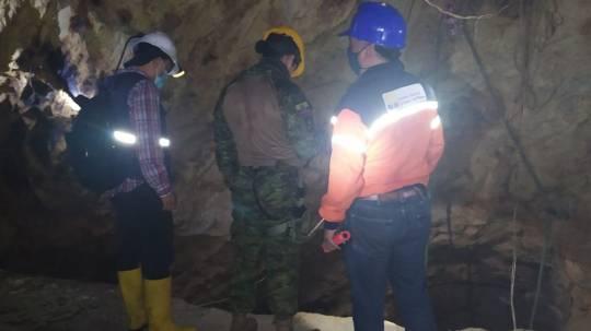 Tres personas fueron halladas muertas en el interior de una mina aurífera en el sur de Ecuador, aparentemente por inhalar gases tóxicos. Foto: EFE