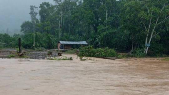 El Gobernador de Morona Santiago convocó al COE provincial para dar seguimiento los diferentes eventos suscitados por las lluvias. Foto: Cortesía / Servicio Nacional de Gestión de Riesgos y Emergencias
