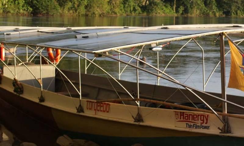 En Ecuador existen varios proyectos orientados a fortalecer el transporte fluvial; uno de ellos, fue ejecutado por el Ministerio de Transporte y Obras Públicas, en la Amazonía.